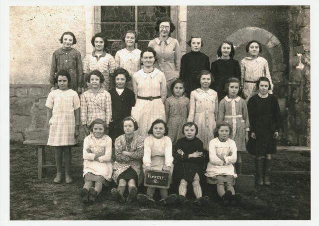 classe de Jeanne Garnier en 1942